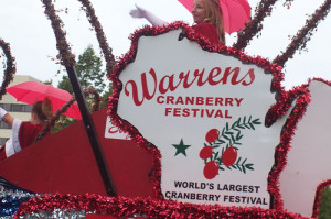 Wisconsin cranberry festival. Image courtesy Flickr user Rochelle Hartman.