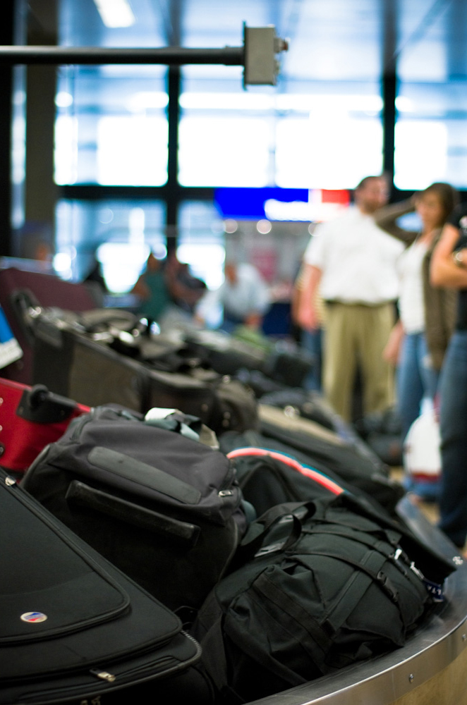 Why should you use Bags VIP instead of a luggage delivery service that picks up your luggage directly from your home? Convenience, time and cost, to start.